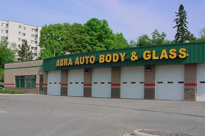 abra-auto-body-collision-glass-windshield-paintless-dent-repair-shop-location-Duluth-MN-55811