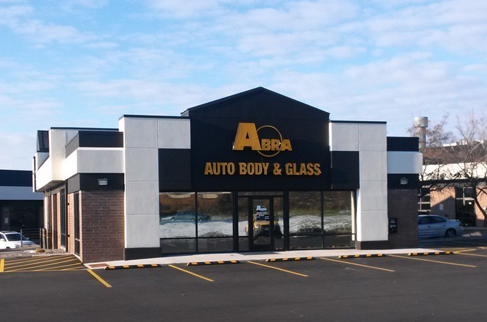 abra-auto-body-collision-glass-windshield-paintless-dent-repair-shop-location-Burnsville-MN-55306
