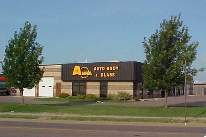 abra-auto-body-collision-glass-windshield-paintless-dent-repair-shop-location-Sioux-Falls-SD-57106