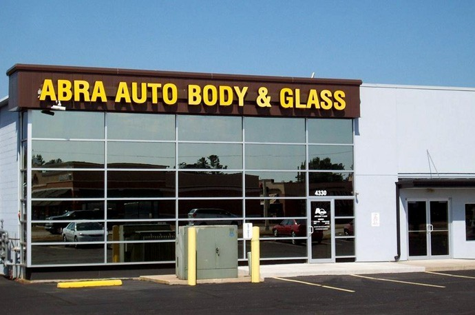 abra-auto-body-collision-glass-windshield-paintless-dent-repair-shop-location-Wisconsin-Rapids-WI-54494