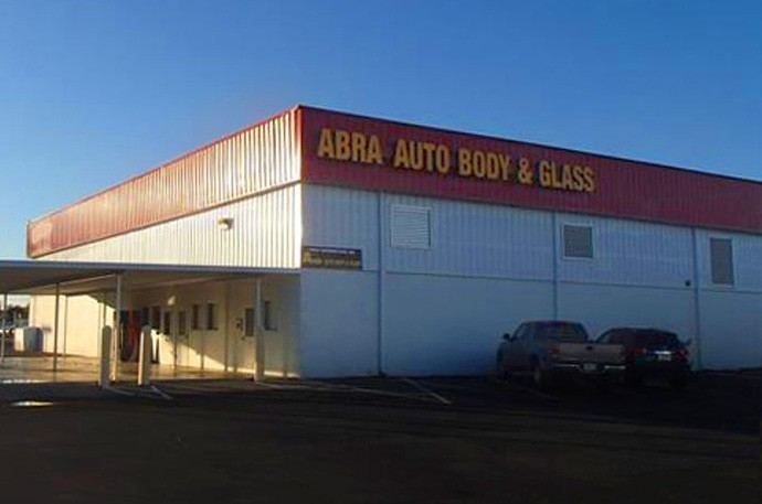 abra-auto-body-collision-glass-windshield-paintless-dent-repair-shop-location-Gallatin-TN-37066