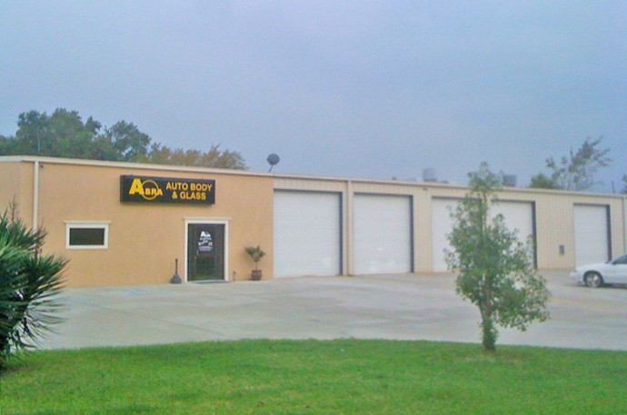 abra-auto-body-collision-glass-windshield-paintless-dent-repair-shop-location-Savannah-GA-31415