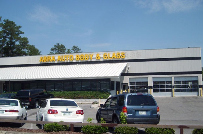 abra-auto-body-collision-glass-windshield-paintless-dent-repair-shop-location-Cleveland-TN-37311