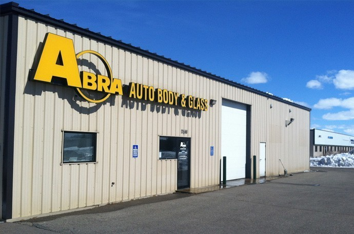abra-auto-body-collision-glass-windshield-paintless-dent-repair-shop-location-Brainerd-MN-56425