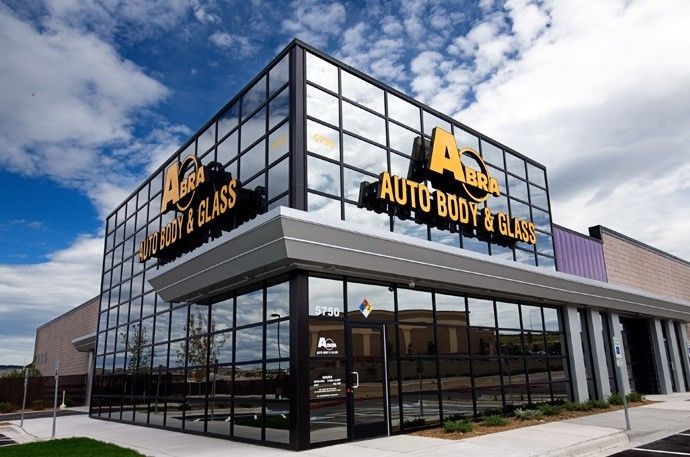 abra-auto-body-collision-glass-windshield-paintless-dent-repair-shop-location-Colorado-Springs-North-CO-80920