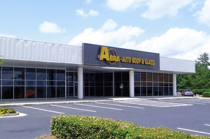 abra-auto-body-collision-glass-windshield-paintless-dent-repair-shop-location-Macon-GA-31210