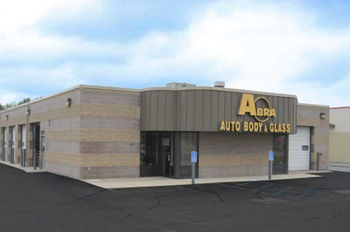 abra-auto-body-collision-glass-windshield-paintless-dent-repair-shop-location-St-Cloud-MN-56387