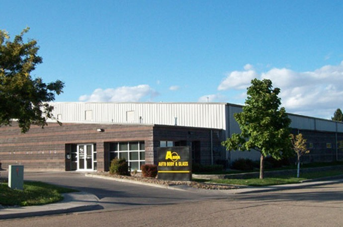 abra-auto-body-collision-glass-windshield-paintless-dent-repair-shop-location-Greeley-CO-80631
