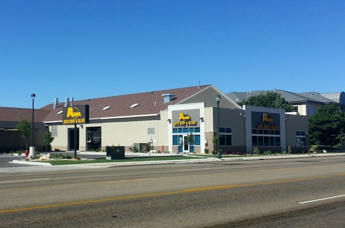 abra-auto-body-collision-glass-windshield-paintless-dent-repair-shop-location-Riverton-UT-84065