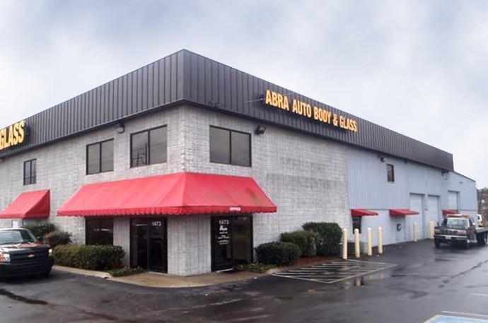 abra-auto-body-collision-glass-windshield-paintless-dent-repair-shop-location-Madison-TN-37115
