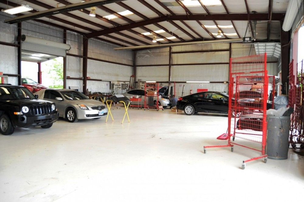 AMM Collision Center - Schertz