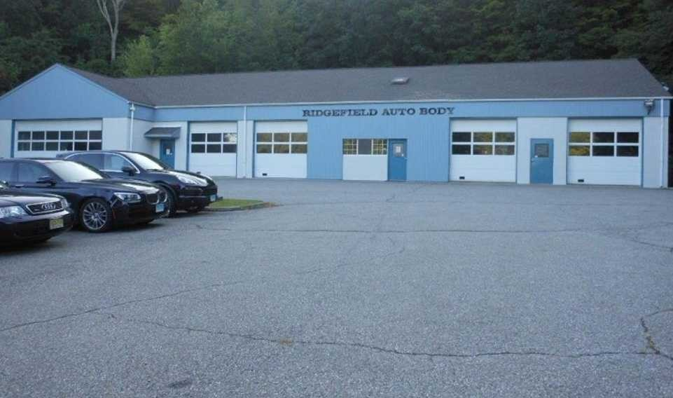 We are centrally located at Ridgefield, CT, 06877-2716 for our guest's convenience and are ready to assist you with your collision repair needs.