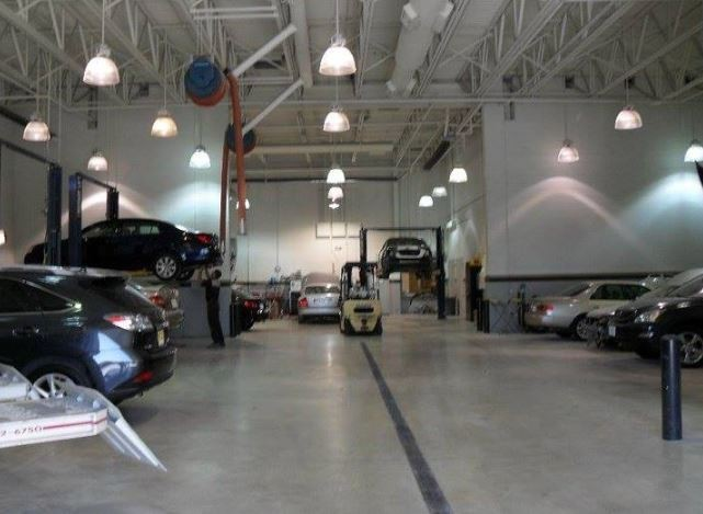 Hendrick Collision North - We are a state of the art Collision Repair Facility waiting to serve you, located at Kansas City, MO, 64153.