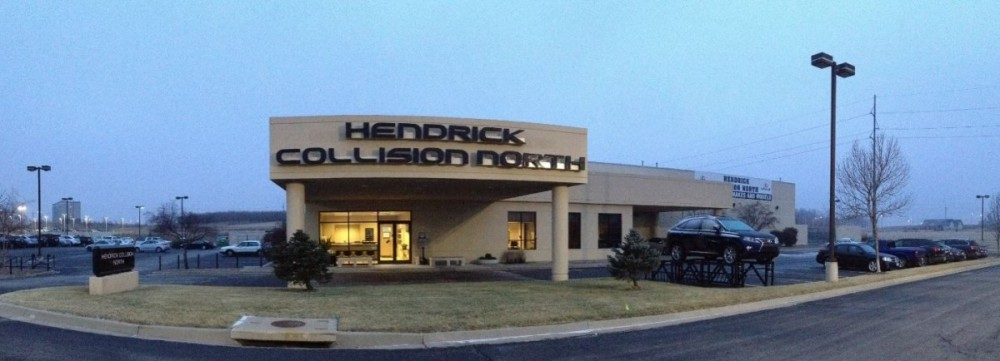Hendrick Collision North - Friendly faces and experienced staff members at Hendrick Collision North, in Kansas City, MO, 64153, are always here to assist you with your collision repair needs.
