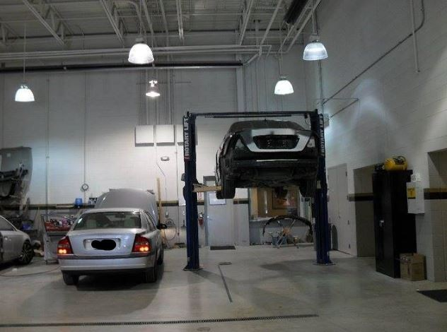 Hendrick Collision North - Collision repairs unsurpassed at Kansas City, MO, 64153. Our collision structural repair equipment is world class.