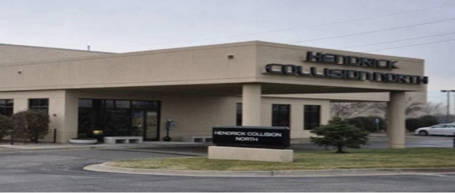 Hendrick Collision North - We are centrally located at Kansas City, MO, 64153 for our guest's convenience and are ready to assist you with your collision repair needs.