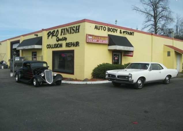 Pro Finish Inc. are a state of the art Collision Repair Facility waiting to serve you, located at Kent, WA, 98032.