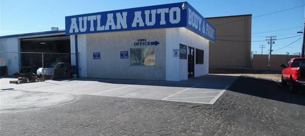 Autlan Auto Body & Paint