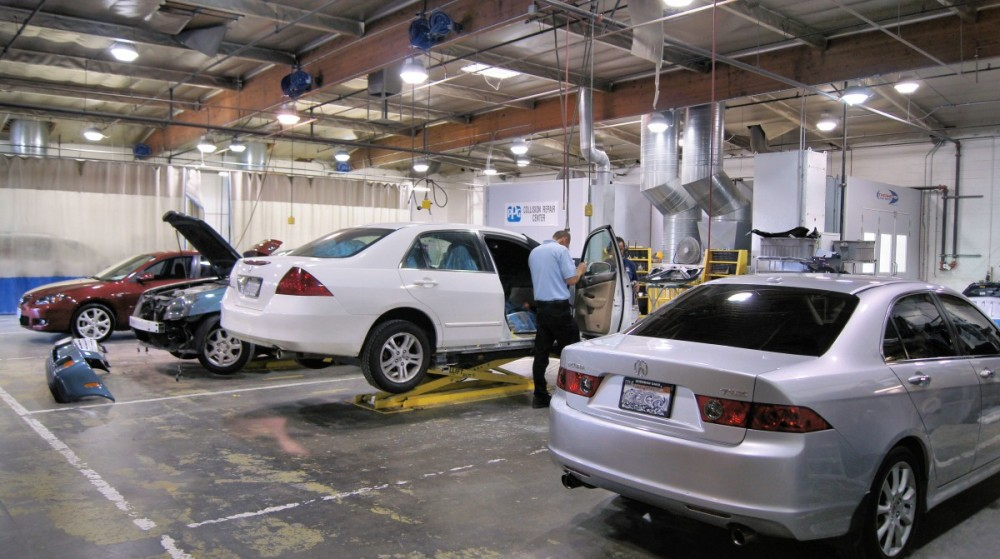 We are a state of the art Collision Repair Facility waiting to serve you, located at Van Nuys, CA, 91411.