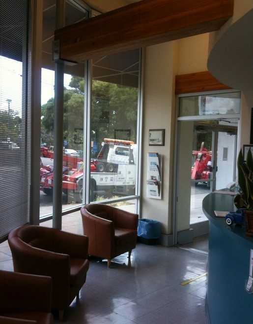 Hustead's Collision Center -  The waiting area at our body shop, located at Berkeley, CA, 94704 is a comfortable and inviting place for our guests.