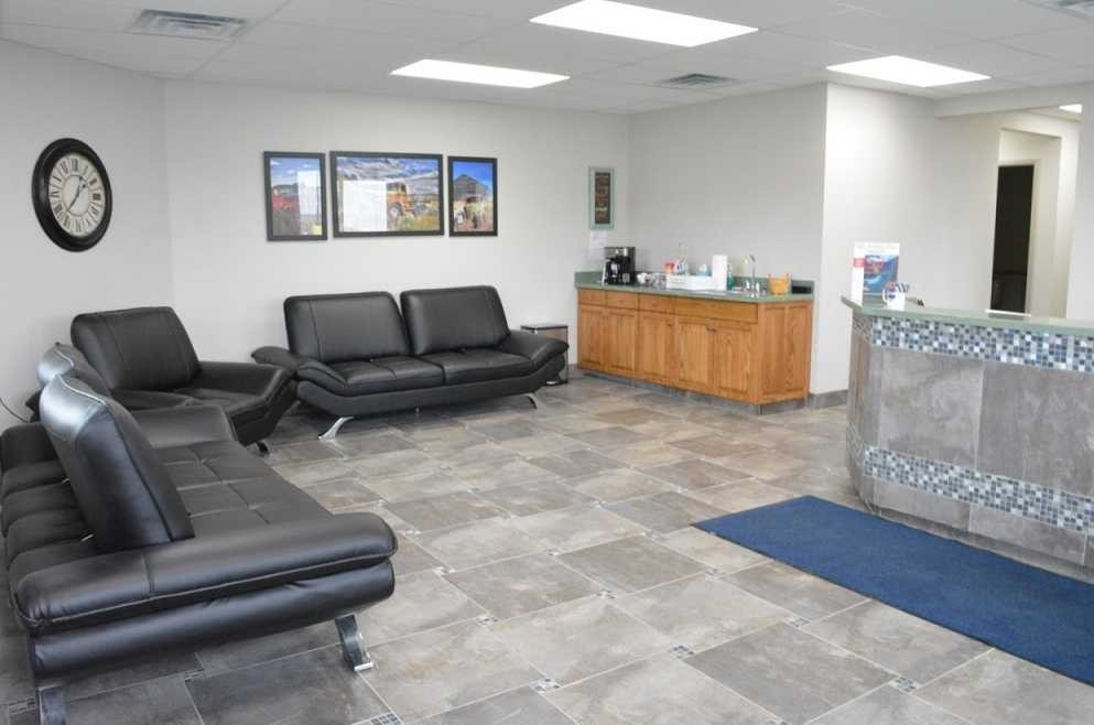 The waiting area at our body shop, located at Salem, OH, 44460 is a comfortable and inviting place for our guests.