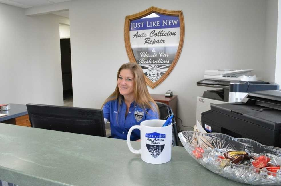Our body shop's business office located at 13134 Salem Aliance Rd, Salem, Ohio 44460 is staffed with friendly and experienced personnel.