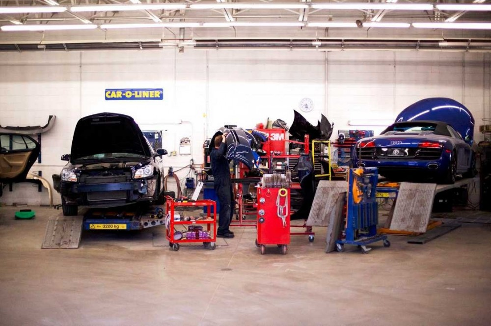We are a state of the art Collision Repair Facility waiting to serve you, located at [Woodbury, MN, 55125