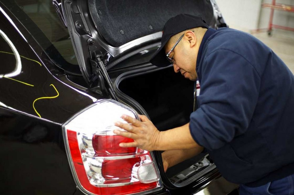 Collision repairs unsurpassed at Woodbury, MN, 55125. Our collision structural repair equipment is world class.
