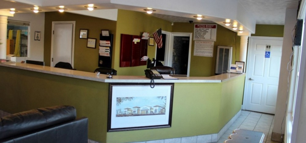 Our body shop's business office located at Santa Maria, CA, 93458 is staffed with friendly and experienced personnel.