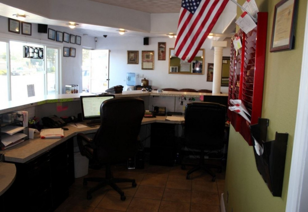 Our body shop's business office located at Santa Maria, CA, 93454 is staffed with friendly and experienced personnel.