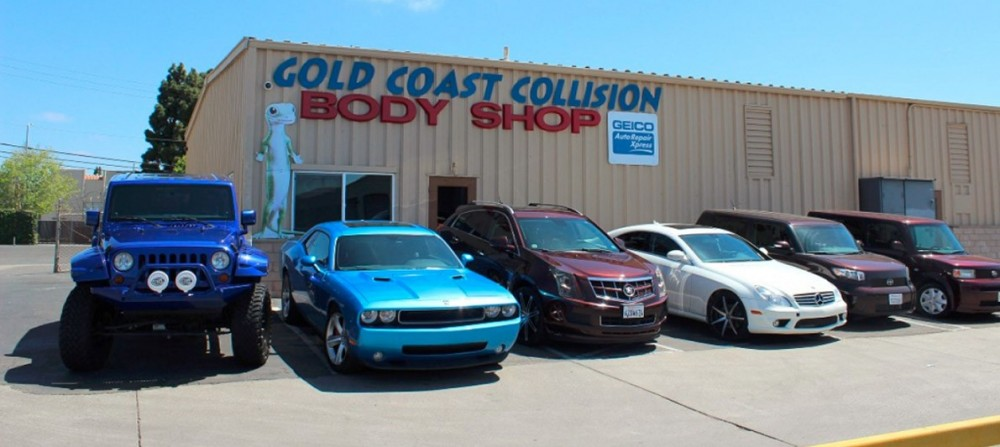 Located at Santa Maria, CA, 93454 for our guest's convenience and are ready to assist you with your collision repair needs.