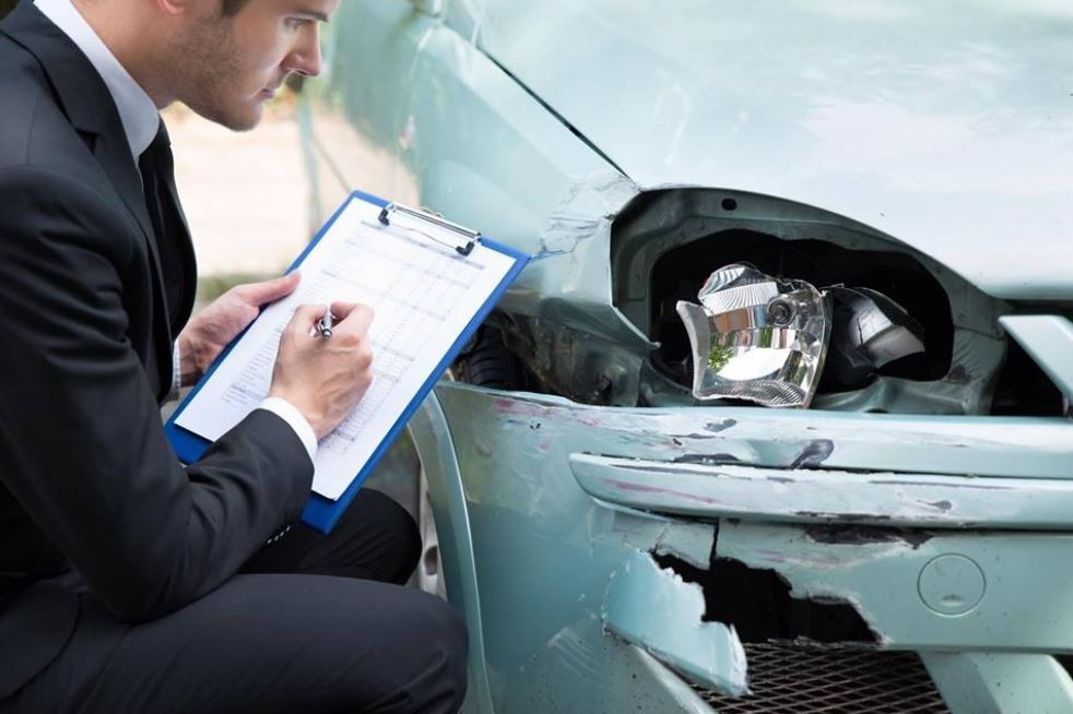 Auto Body Expressions - Complete and accurate damage estimates are done by very experienced people. If knowledge coupled with experience is what you are looking for, look no further.  Auto Body Expressions Inc, in Elk Grove, CA, 95624 is the place for you.