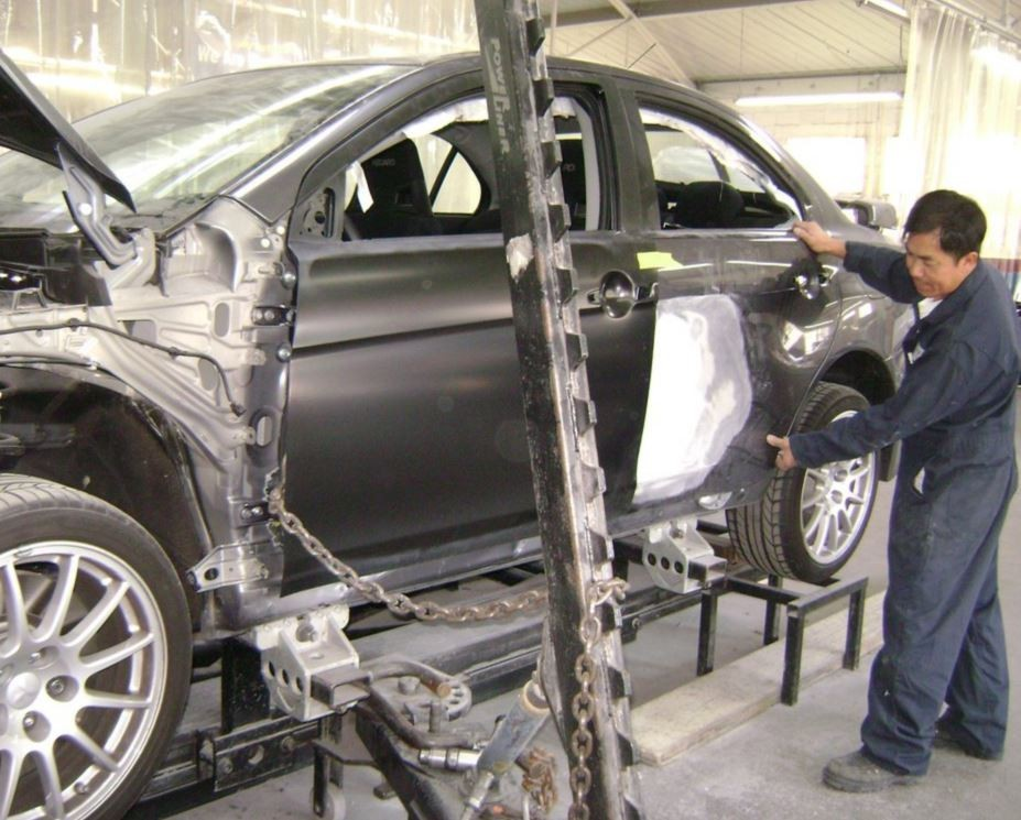 At Quality Body & Fender, in Oakland, CA, 94612-1114, all of our body technicians are skilled at panel replacing.