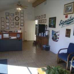 Signature 2 Auto Collision 10180 E Ave  Hesperia, CA 92345  A Warm & Inviting Office and Waiting Area For Your Convenience.