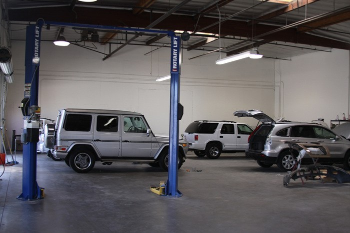 Pacific Elite Collision Centers - Long Beach Prestige Too Collision Center Autbody Clean Work Environment