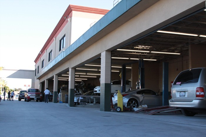 Pacific Elite Collision Centers- Downey Formerly Firestone Autobody Clean Work Space