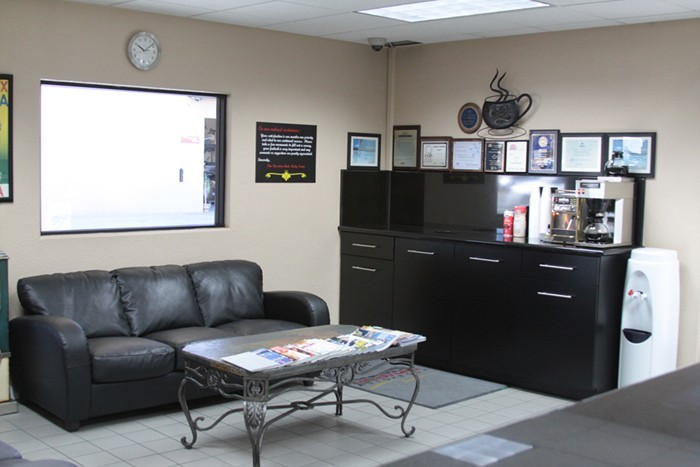 Pacific Elite Collision Centers- Downey Formerly Firestone Autobody Professional Waiting Area