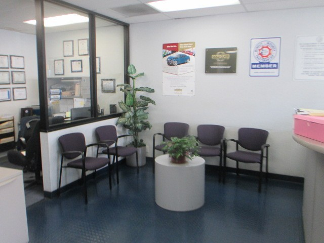 The waiting area at our body shop, located at Westminster, CA, 92683-3202 is a comfortable and inviting place for our guests.