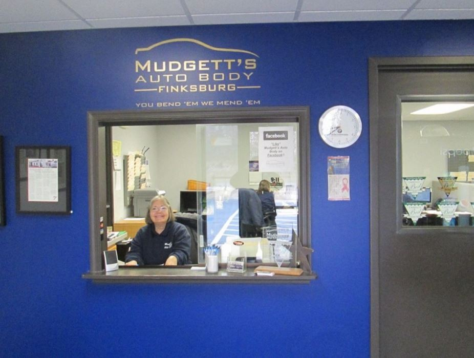 Mudgett's Auto Body business office located at Finksburg, MD, 21048 is staffed with friendly and experienced personnel.