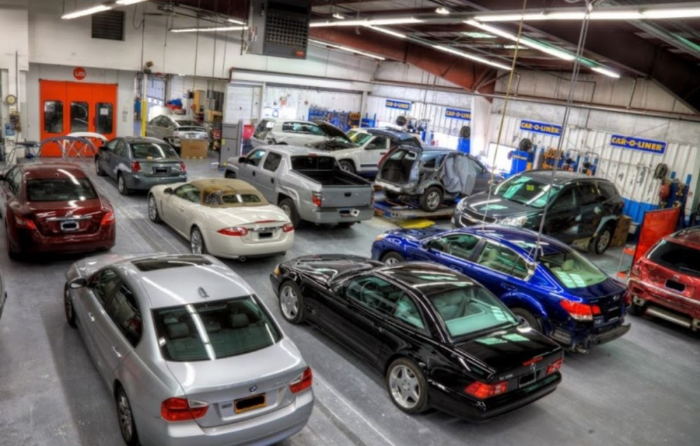 We are a state of the art Collision Repair Facility waiting to serve you, located at Nanuet, NY, 10954.