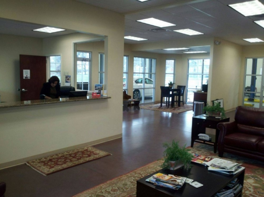 Our body shop's business office located at Chesapeake, VA, 23320 is staffed with friendly and experienced personnel.
