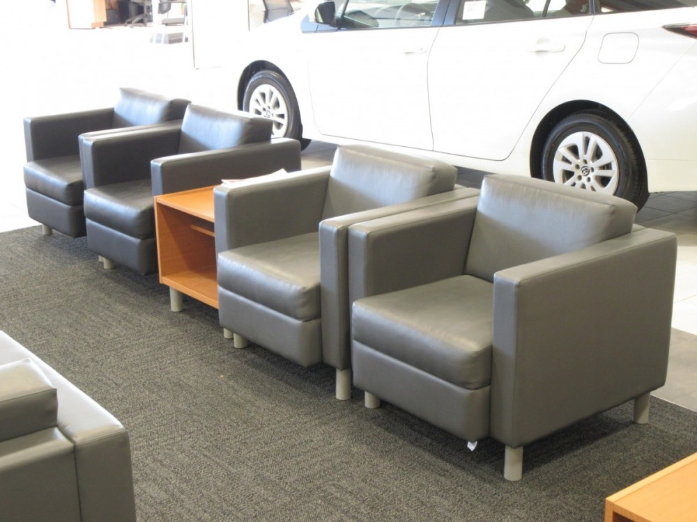 The waiting area at our body shop, located at Columbus, OH, 43232 is a comfortable and inviting place for our guests.