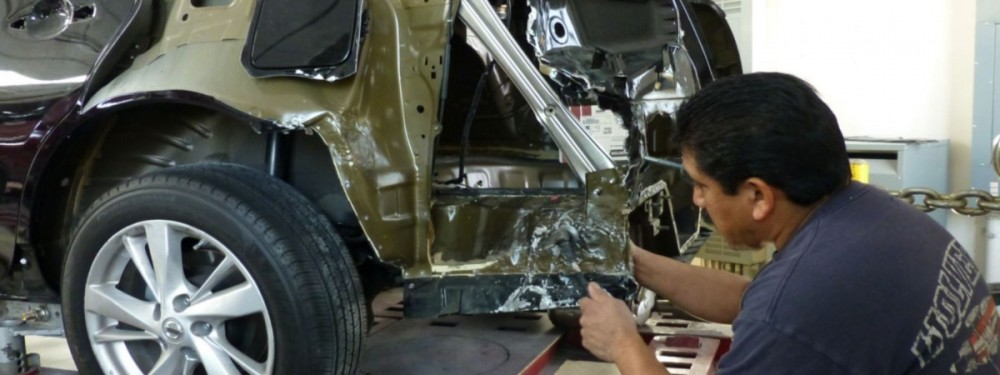 Here at J & C Collision, Ventura, CA, 93003, our body technicians are craftsmen in the art of metal straightening.