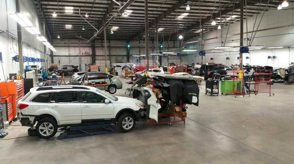 Car Crafters Corporate, located in NM, is ready to bring your car back to pre-accident condition! We know accidents happen, so whether you have a dent, scratch or are in need of collision repair, we are here to help!