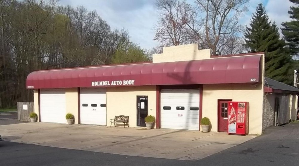 We are centrally located at Holmdel, NJ, 07733 for our guest's convenience and are ready to assist you with your collision repair needs.