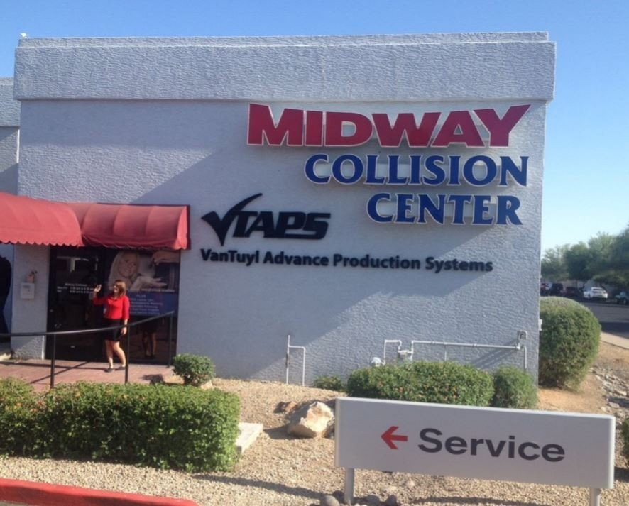 We are centrally located at Phoenix, AZ, 85023 for our guest's convenience and are ready to assist you with your collision repair needs.