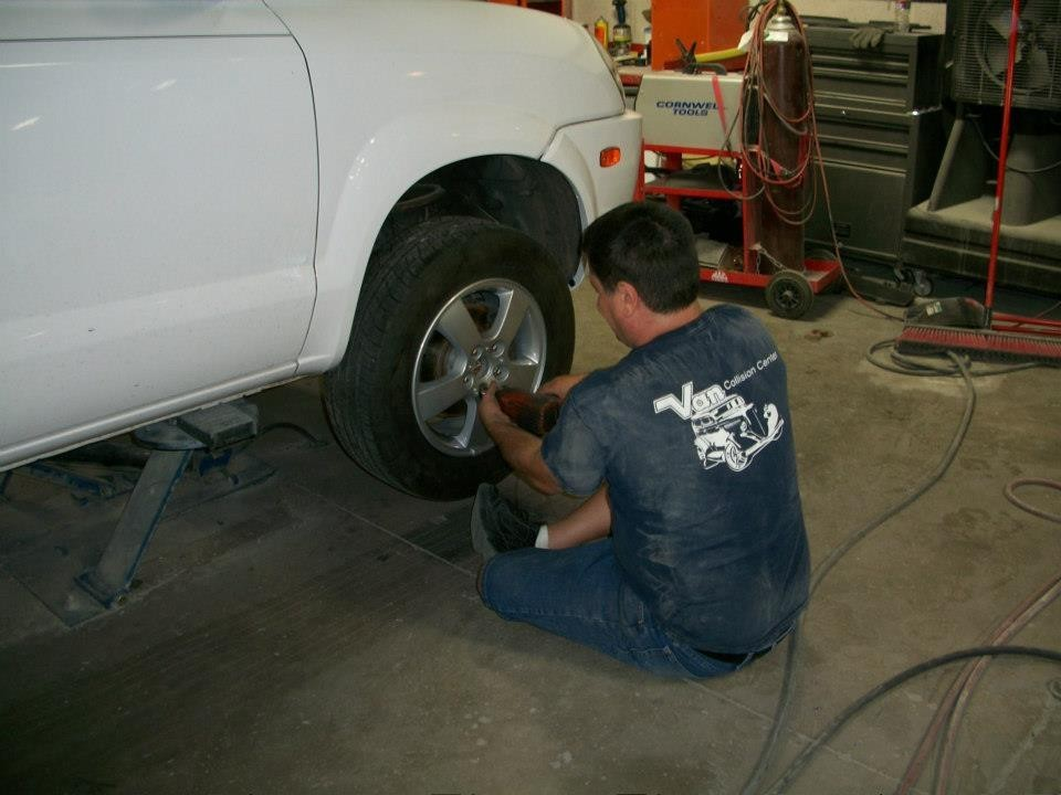 Van Collision Center 15600 N. Northsight Blvd.  Scottsdale, AZ 85260  Collision repairs require all sorts of tasks..