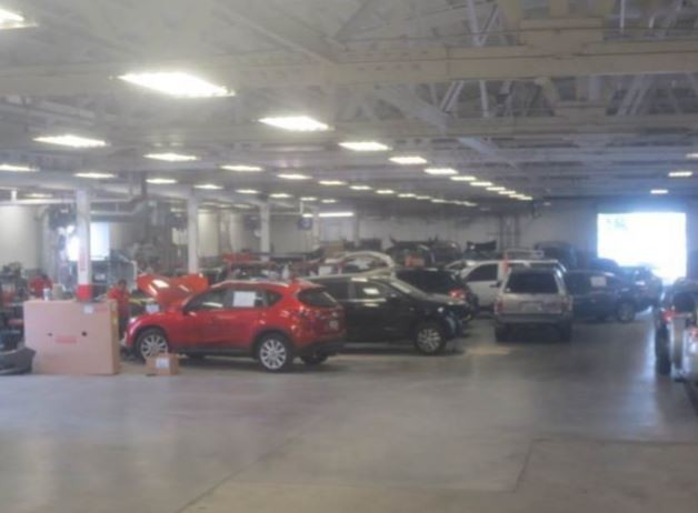 We are a state of the art Collision Repair Facility waiting to serve you, located at Phoenix, AZ, 85014.