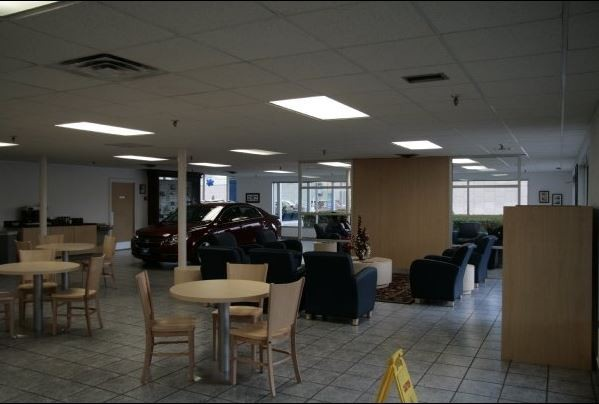 The waiting area at our body shop, located at Richardson, TX, 75080 is a comfortable and inviting place for our guests.