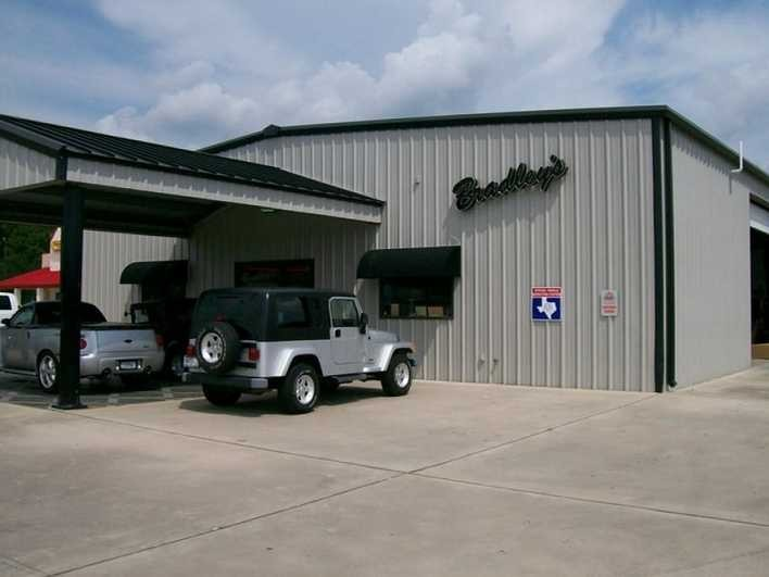 We at Bradley's Body Shop are centrally located at Port Neches, TX, 77651 for our guest's convenience. We are ready to assist you with your collision repair needs.